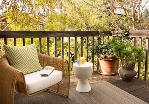 How to Build a Green Outdoor Living Area