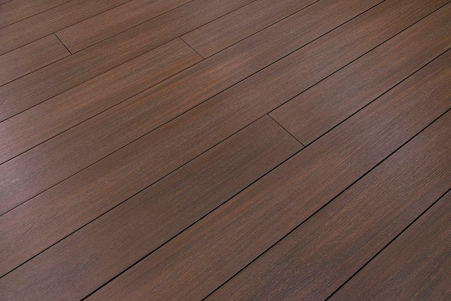 Cali Bamboo Debuts 100 Recycled Composite Decking For