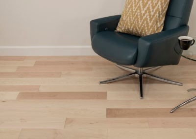 Apollo wide floor with chair
